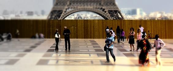 Magic Paris people Detail 2