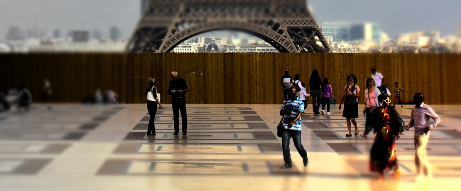 Magic Paris people Detail